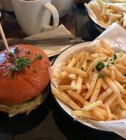 Bulan Burgers