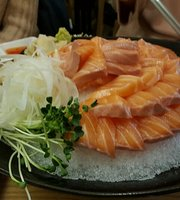 Alraeseuka E Seo on Yeoneoga Delicious House
