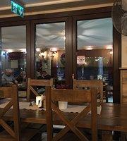 Hogshead Pub & Grill