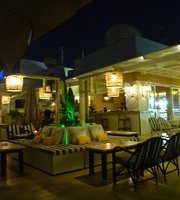 Baya Cafe Beach Bar