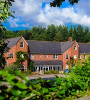 The Fox & Hounds Country Hotel
