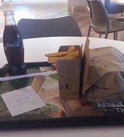 BurgerFuel Sowwah Square