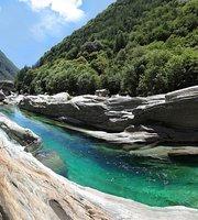 Grotto Al Ponte