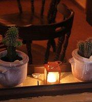Mescalero Cafe-Bar
