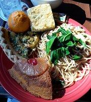 Tapa's Restaurant & Lanai Bar