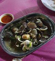 Teluk Kumbar Seafood Restaurant