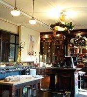 Cafe Apotheke