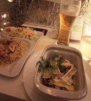 Kwadrans Po Nieparzystej Restaurant