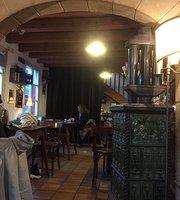 Cafe De La Tour