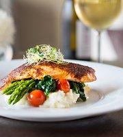 10 Below Restaurant & Lounge