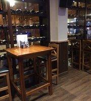 La Bodeguita Bar