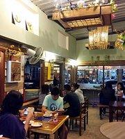 Smiling Moon Café
