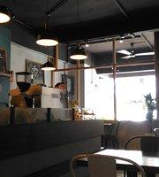 Skinny Dip Cafe