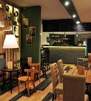 La Frog Cafe