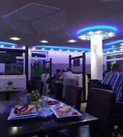Grenzenlos Cafe Und Restaurant