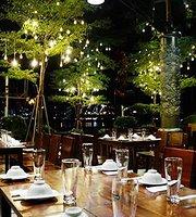 Truong Tien Cafe & Restaurant