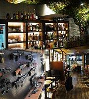 AKIBA BASE Shooting Cafe and Bar
