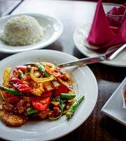 Bai Bua Thai Resturant & Cafe