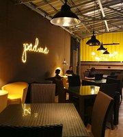 Padma Beach Cafe & Resto