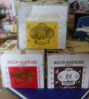 Mochi Kaswari Lampion