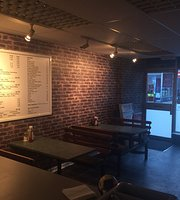 Doms Cafe