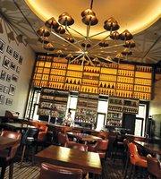 Arthur's Bar & Grill