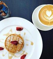 La La Cafe and Bar