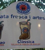 Orxata Coffee Shop. Mon Orxata