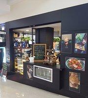 La Plaza Cafe