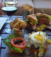 B Square Burgers & Booze