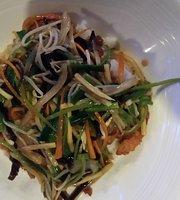 Akashi Asian Sushi Cuisine & Wine Bar