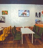 Cafe Marilyn