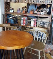 Cafe 107 (Zhongshihua Mansion)