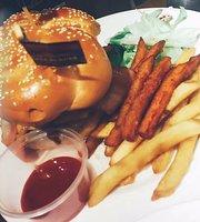 拉亚汉堡经典餐厅(商城路店)