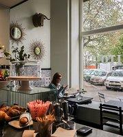 Cafelito Cafe & Deli