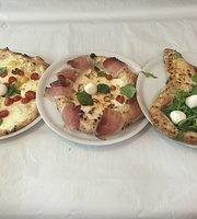 Pizzeria Antonio & Manu