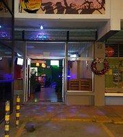 Cahuita Town Sport Bar