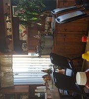 Higdon Square Cafe