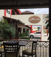 Maluck Restaurant Bar & Grill