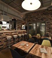 Deli -food.bar.music-