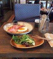 Towa Mowa Cafe