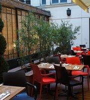 Le Cafe Moderne
