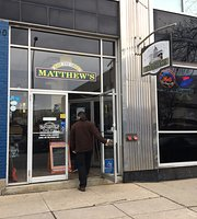 ‪Matthew's East End Grill‬