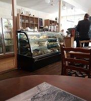 Razz On Riverside Cafe