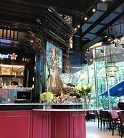Another Hound Cafe (Siam Paragon)