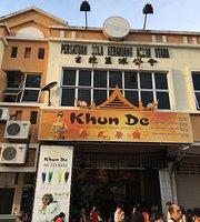 Khun de Thai Alor
