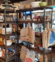 Deane's Market & Deli