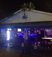 Roo Sports Bar & Grill