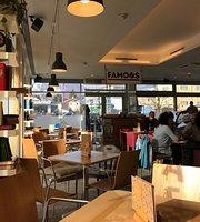 Cafe Konditorei faMoos