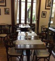 Un Cafe con Peron